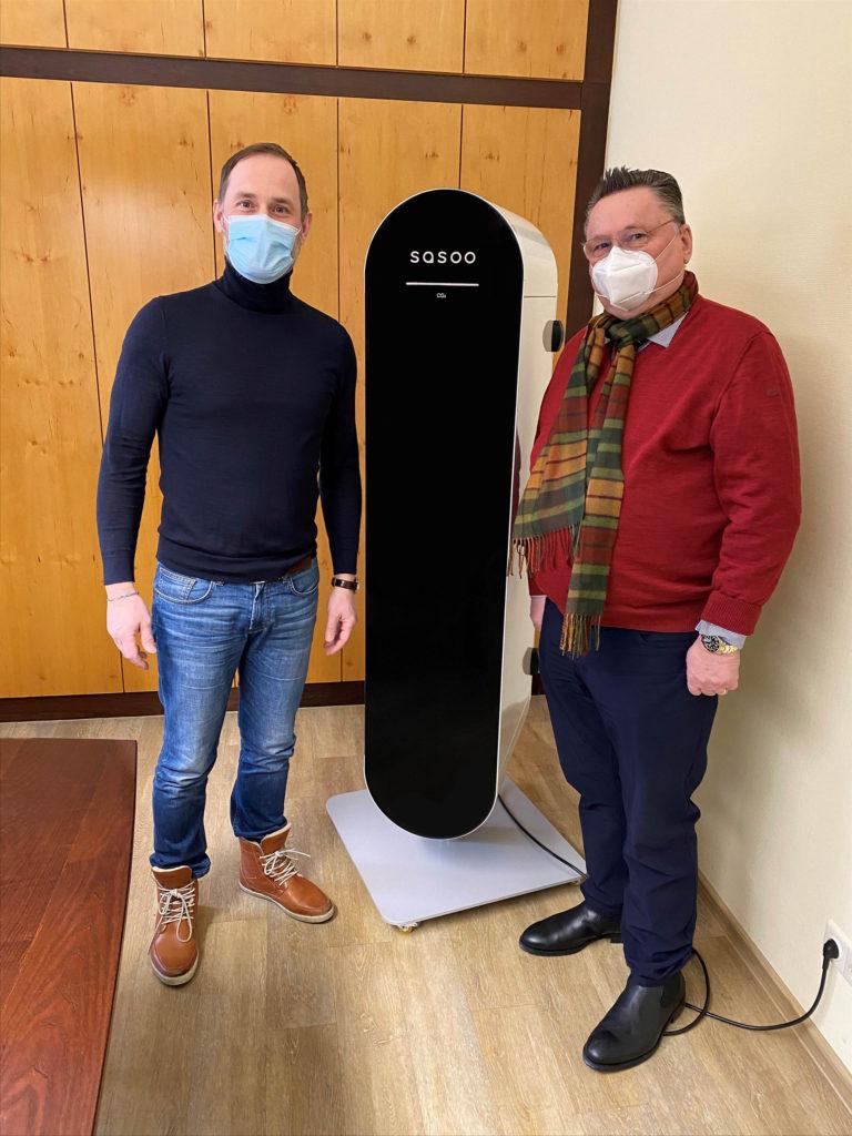 sasoo Luftreiniger reinigt Luft im Notariat